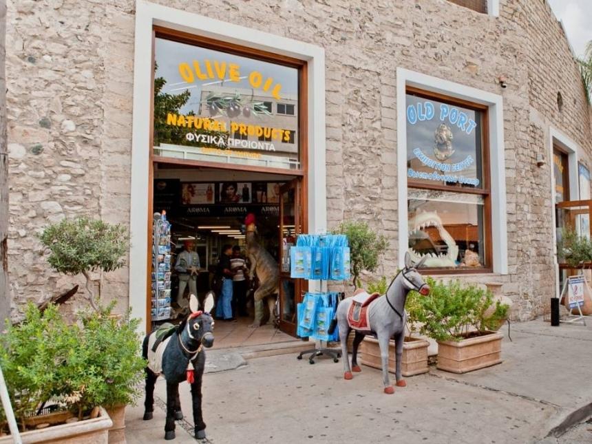 cf6ab268dcf336 Золотое правило туриста на Кипре – ничего не покупать в туристической зоне!  Вы видели, чтобы кто-то из местных трапезничал в ресторанах или барах ...